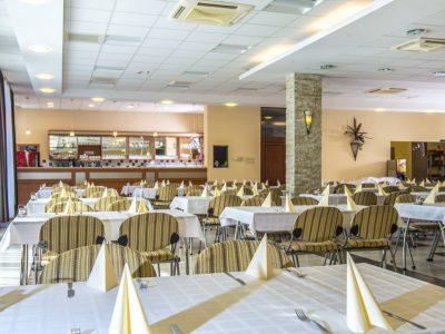 Duna Hotel Paks, Restaurant und Veranstaltungsraum